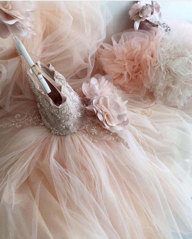 #princessparty When it clearly states princess on your birth certificate. Get the look at slay bambinis #slaylebrity #slaynetwork #slaymybambini #slaybambinis #childrensfashion #kidscouture #hautecouture #luxury #childrensdesignerwear #slaymybambini #princessdress #luxurylife #luxuryfashion #theslaynetwork #childrensblog #fashion #cute #flowergirlsdress #girls #mothers