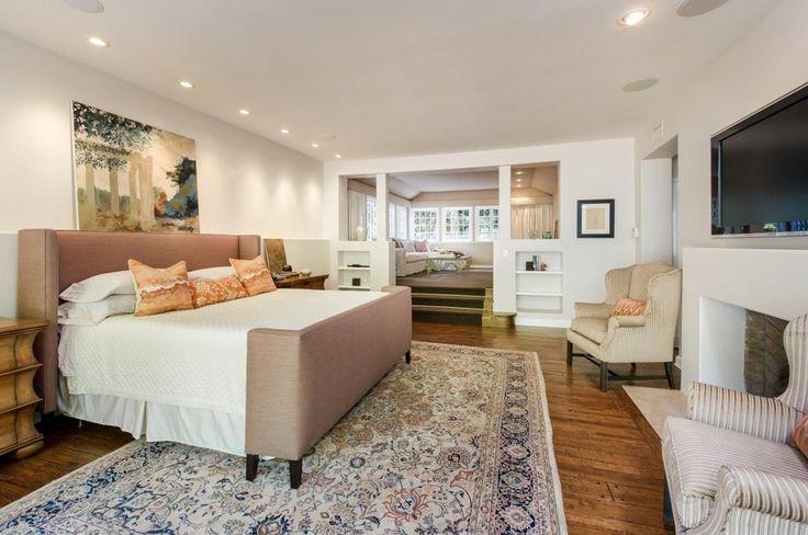 Jodie Foster vend sa villa hollywoodienne pour $5,75 millions. Ici la chambre de l'actrice.