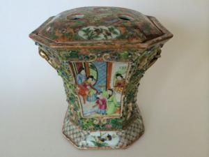 An Early 19th Century Chinese Famille Verte Covered Vase