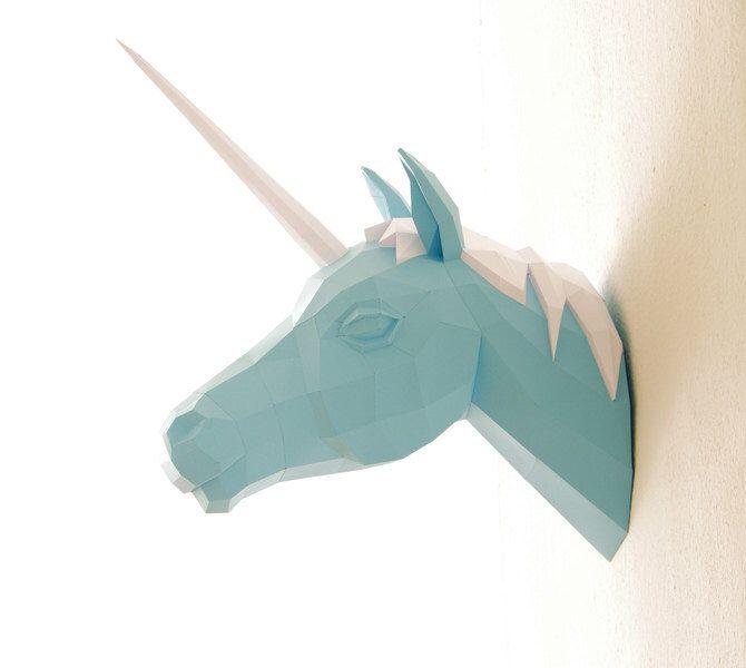Trofeo caccia unicorno, numero 2 della trilogia di PaperwolfsShop su Etsy https://www.etsy.com/it/listing/157520199/trofeo-caccia-unicorno-numero-2-della
