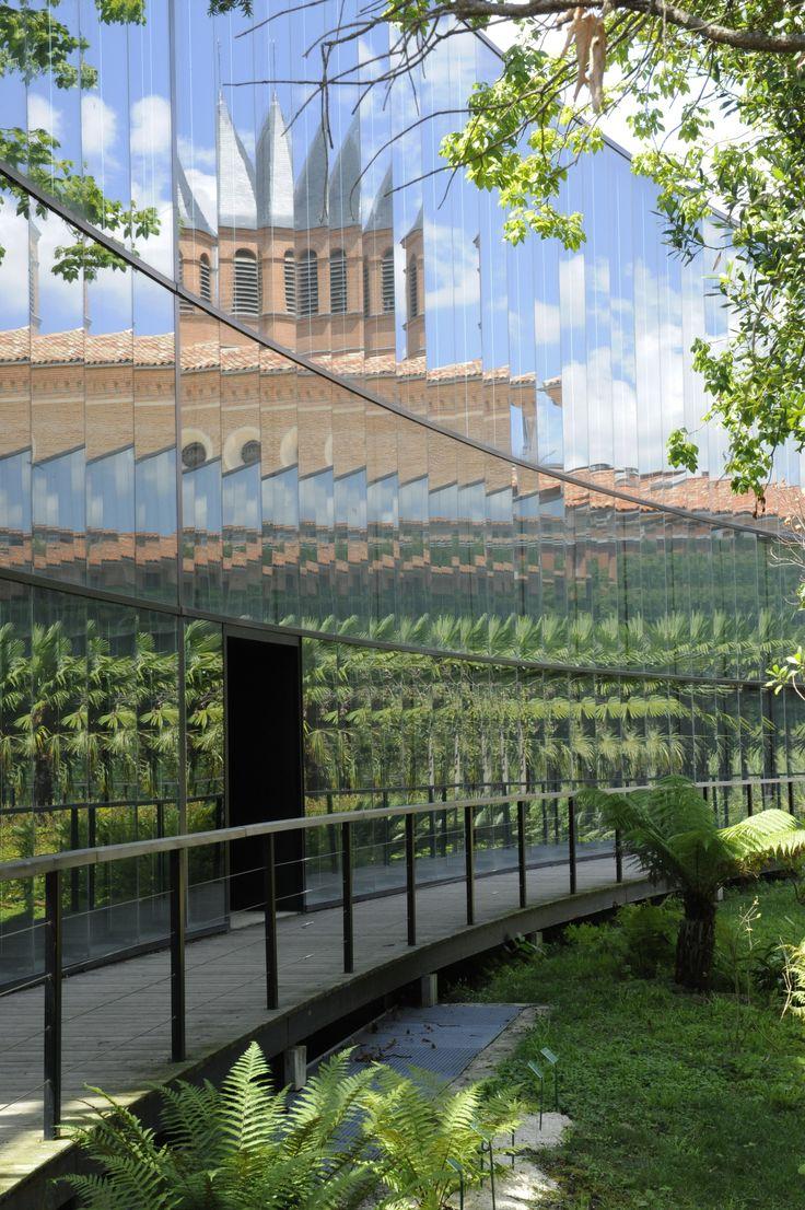 MUSÉUM D'HISTOIRES NATURELLES DE TOULOUSE - Jouxtant le parc public du Jardin des Plantes, le site du Muséum d'histoire naturelle est le site originel du Muséum de Toulouse. Il comprend les murs historiques, leur extension, ainsi que le nouveau jardin botanique Henri Gaussen.