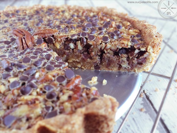 Paleo Chocolate Pecan Pie - This isn't your ordinary pecan pie, there's no corn syrup, no refined sugars, and no grains. It's so good, nobody will guess it's paleo.