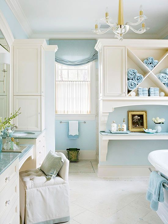 Blue and white cottage bathroom ideas open shelving for Blue white bathroom ideas