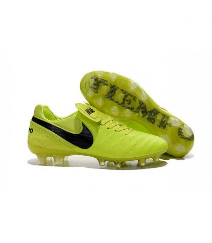 Acheter Nouveau Crampons de Football Nike Tiempo Legend VI FG Volt Noir pas cher en ligne 90,00€ sur http://cramponsdefootdiscount.com