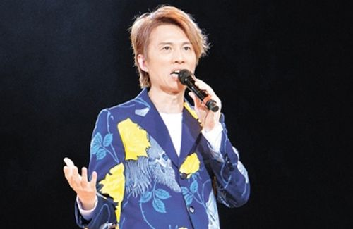 Dayo Wong comments on Occupy Central and relationships between men and women in his new stand-up comedy show.