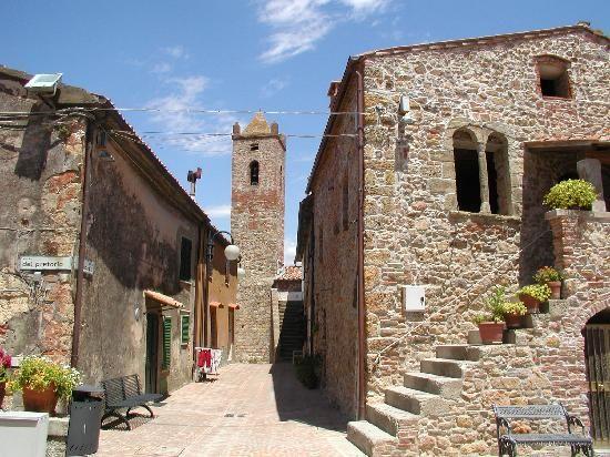 Montepescali, Medieval villages