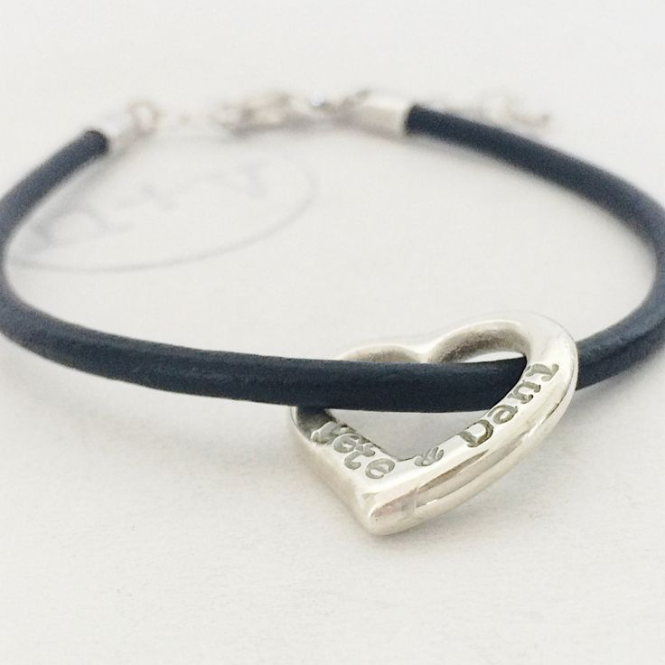 Hello lover! This is mine... My bracelet with me and my husband alone!  Happy Valentine's Day! Xo
