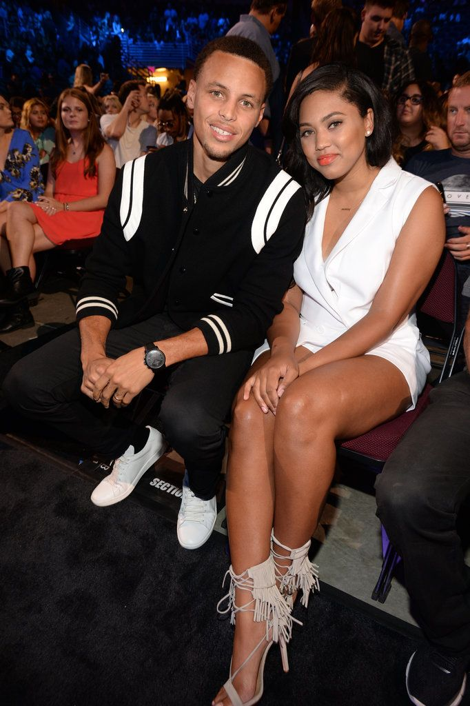 Steph Curry does date night with his gorgeous wife at the Teen Choice Awards!