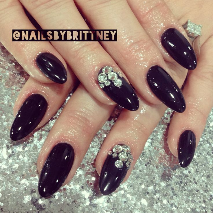 Black almond nails | Nails | Pinterest | Nails, Almonds ...