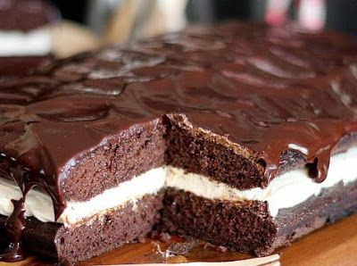 The Pioneer Woman: Whoopie Pie Cake