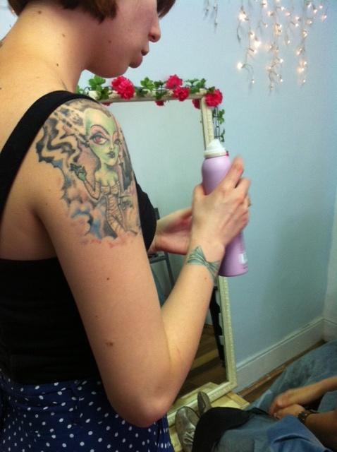 Nicole y su tatuaje