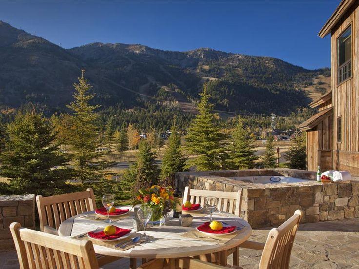 22 best spur restaurant bar teton mountain lodge spa for Jackson hole wyoming honeymoon cabins