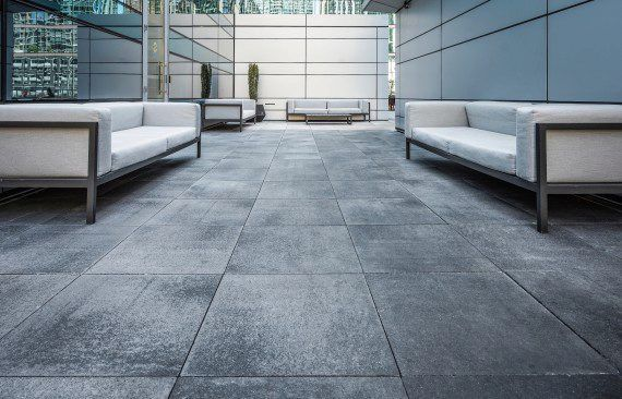 Unilock - Loews Hotel Roof Deck with Umbriano Paver in Chicago