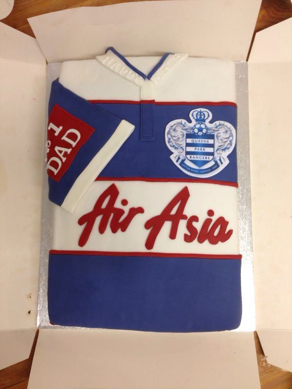 Top 34 ideas about football shirt cakes on pinterest for Football t shirt cake template