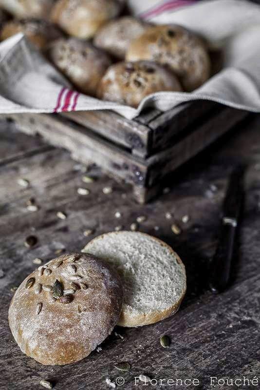 Gourmandises Chroniques: Petits pains individuels aux graines torréfiées sa...