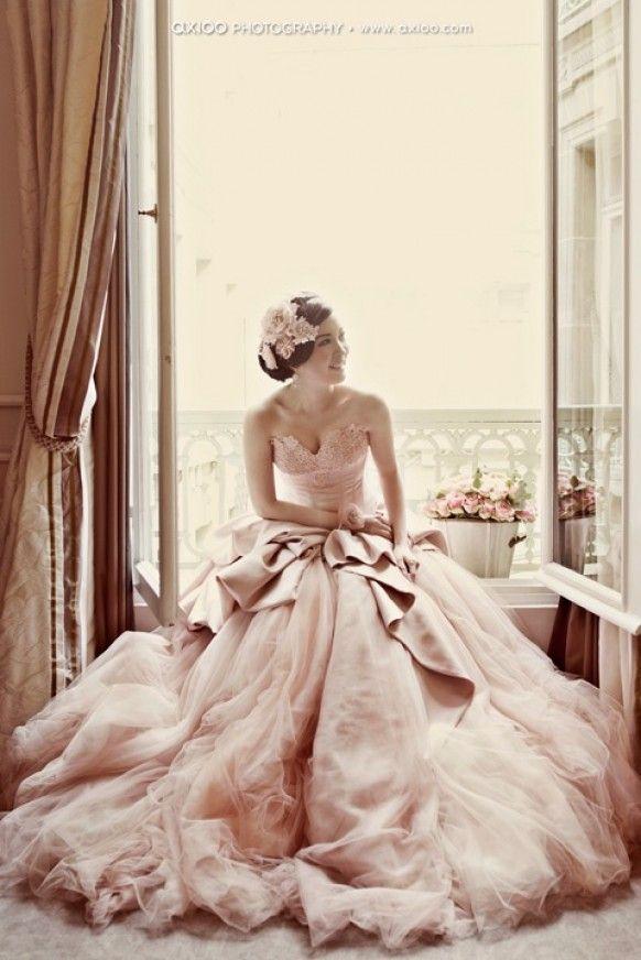 Pale Pink Strapless Deep Sweetheart Neckline and Tulle Ball Gown Wedding Dress ♥ Romantic Wedding Photography by Axioo | Nişan ve Mezuniyet Balosu Icin Abiye Elbise Modelleri