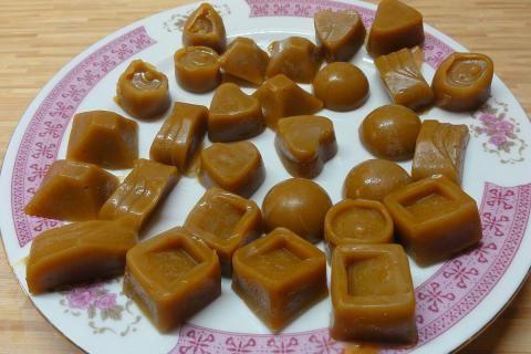 Jak připravit domácí karamel a smetanové karamelky   recept