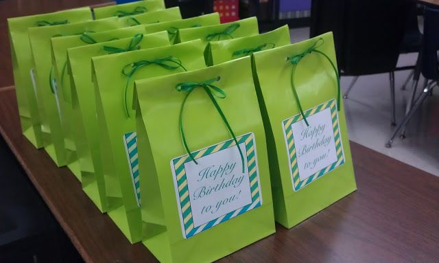 Birthday Bags: prepare at the beginning of the year and pull on the day. Makes it easy so I don't forget! The blog has a list of ideas to go inside.