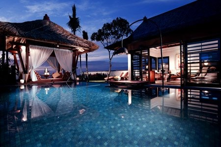 tropical/pool/beach/sunset- in one on Bali <3