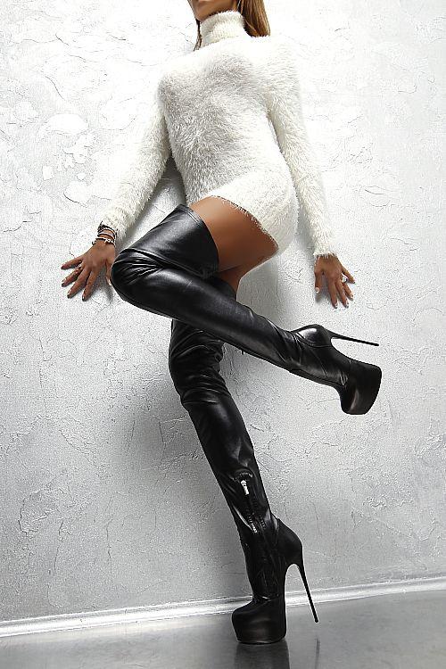 hotties nude in high boots