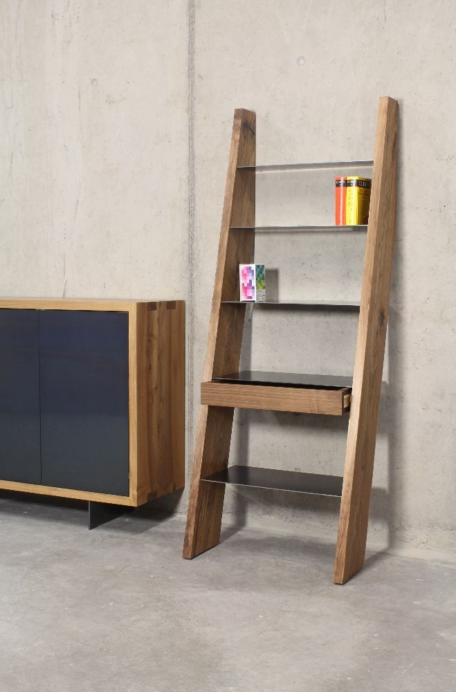 Sideboard und Regal