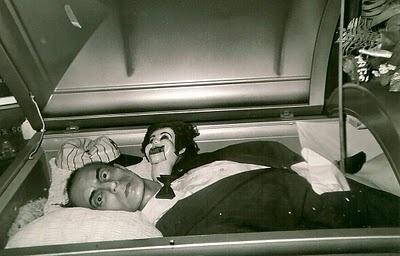 Best 59 Celebrity casket, death scene, and post mortem ... Bruce Lee Open Casket