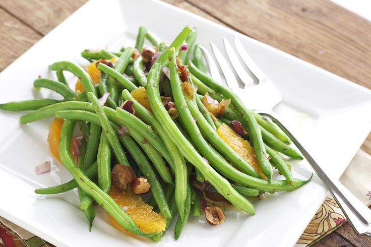 Green Beans with Dates, Oranges, and Hazelnuts