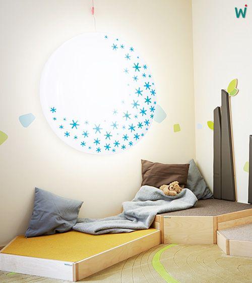 Folie für Decken - & #Wandleuchten Die 2-farbige, durchsichtige, selbstklebende Stern-Folie kann von innen in die #Lampenschirme eingeklebt werden. https://shop.wehrfritz.de/de_DE/Folie-fuer-Decken-and-Wandleuchten-Lampenfolie-Sachenmacher/p/025445_1?zg=sachenmacher_wecom&ref_id=60847 #Gefühle #Sinne #Krippe #Kindergarten