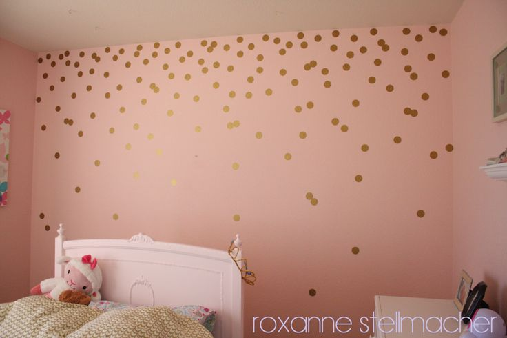 Gold polka dot wall decals: how to - maybe in the little potty room? Or small wall behind desk/vanity?