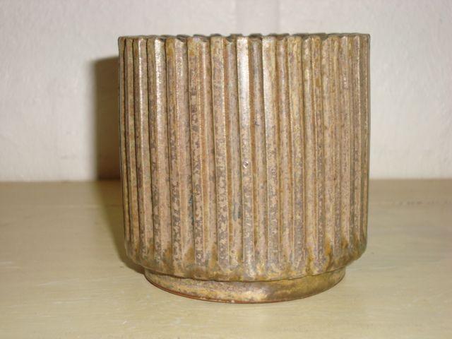 Arne Bang Ceramics. Pot in stoneware from 1950es. Signed AB. #arne #bang #ceramics #pottery #stoneware #pot #dansk #keramik #krukke #danish. SOLGT/SOLD.