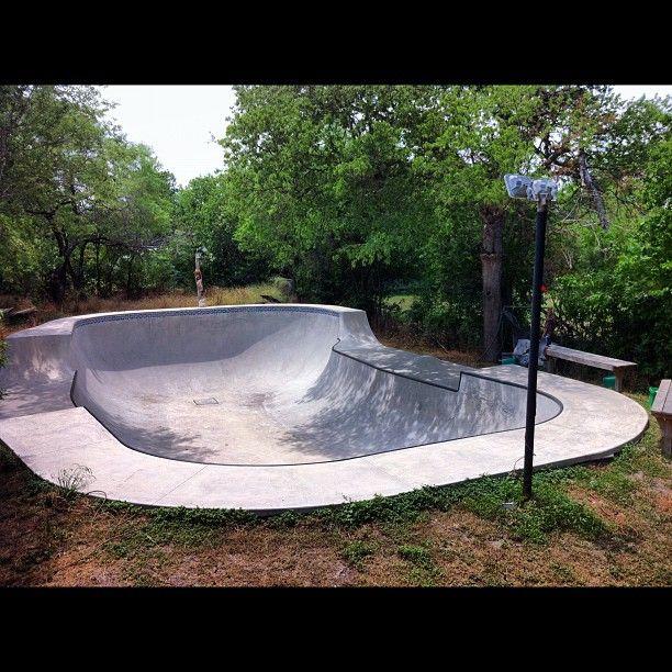Backyard Skatepark Bmx : Backyard bowl  Skatepark Bowls  Pinterest
