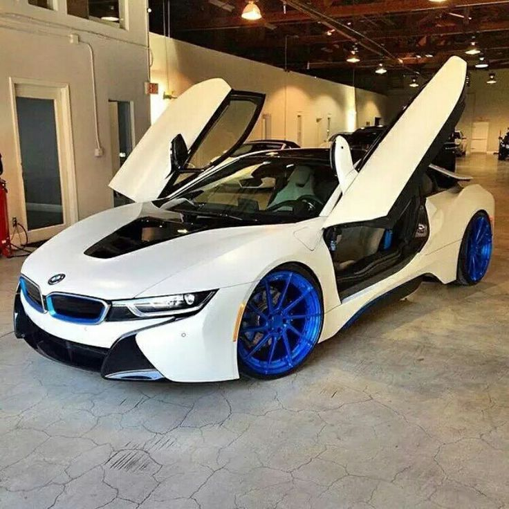 Cool BMW: I 8 with blue rims...  BMW i8 Check more at http://24car.top/2017/2017/04/03/bmw-i-8-with-blue-rims-bmw-i8/