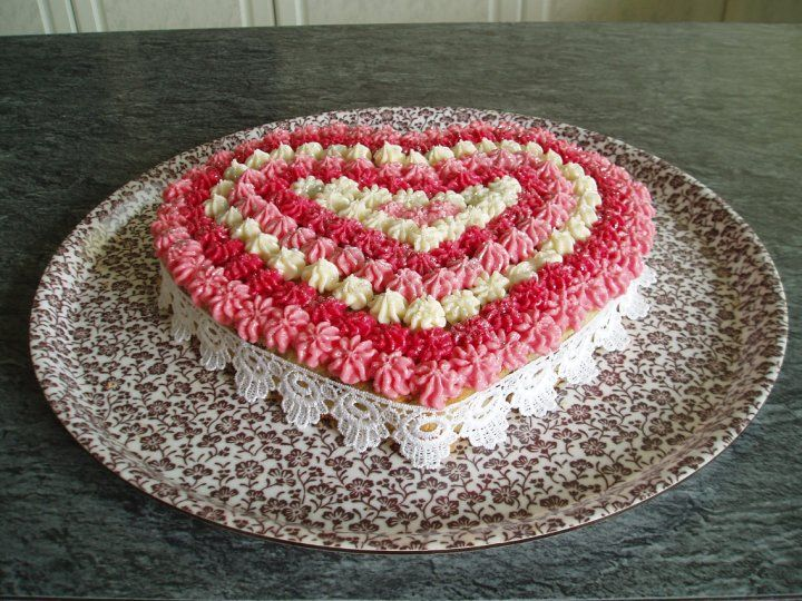 Valentine Cake Decorations Design : 20