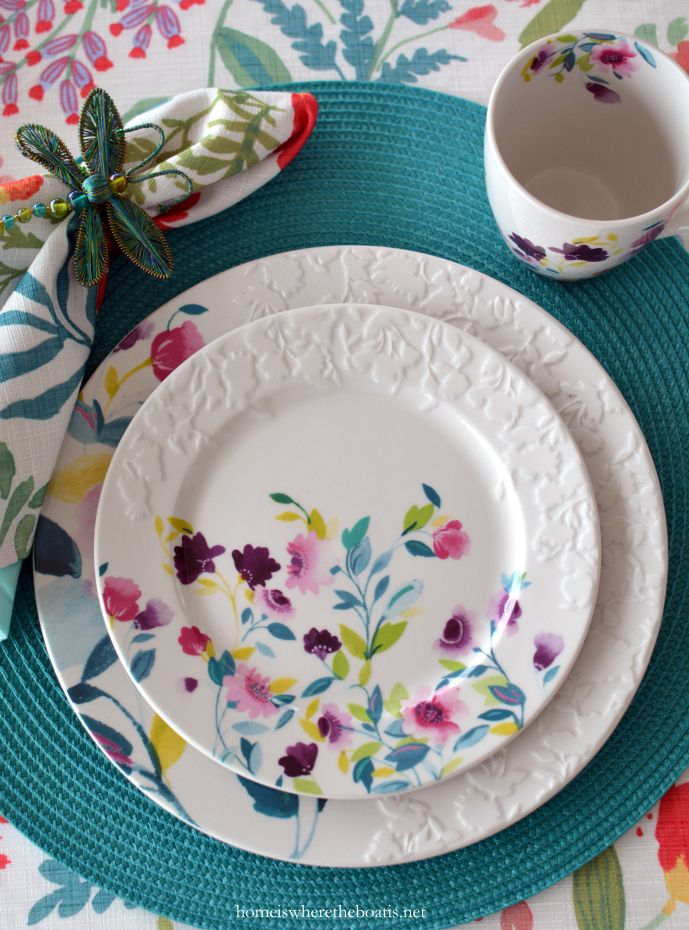 Kim Parker Mikasa Meadow Violets  | homeiswheretheboatis.net #tablescape #spring