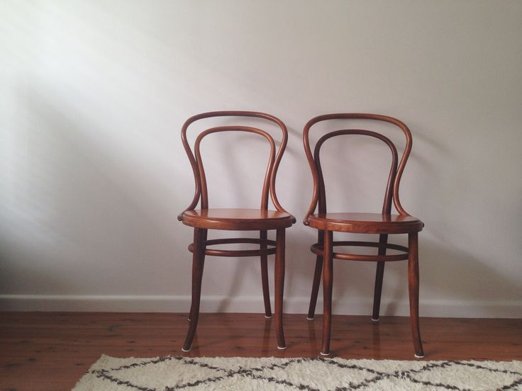 FOR SALE 6x Bentwood Chairs Vintage Timber Dining Table Newport Sydney