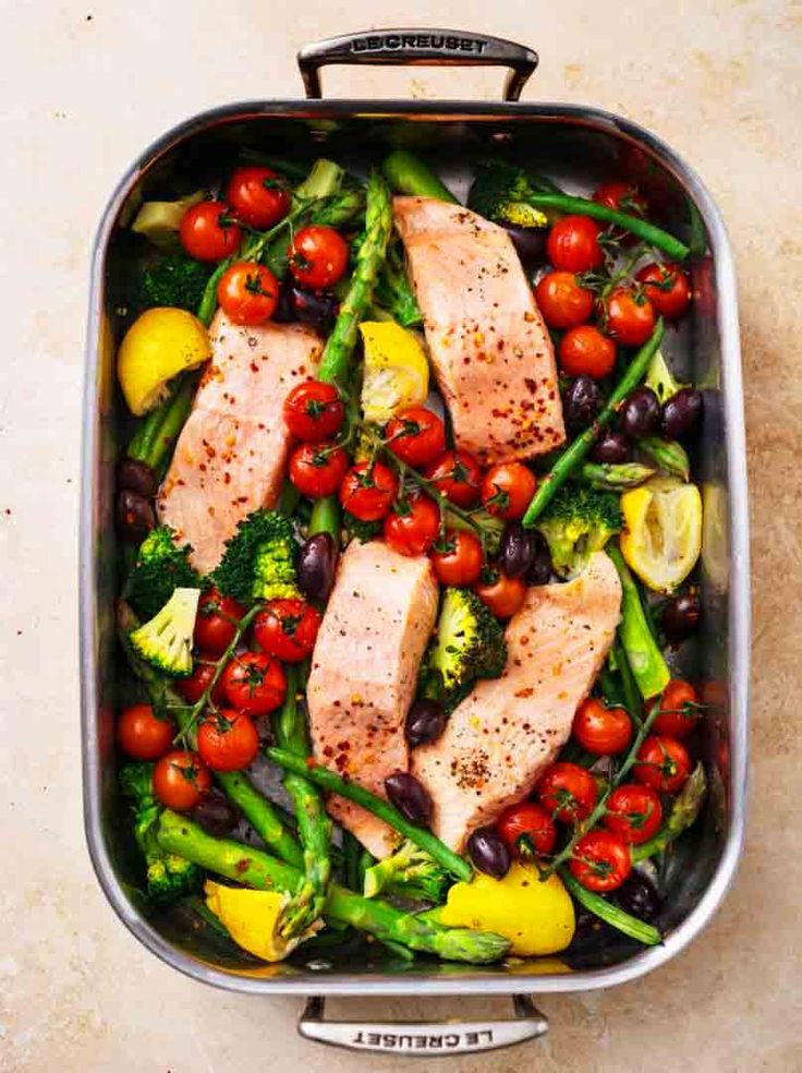 Salmon with Broccoli, Asparagus and Cherry Tomatoes