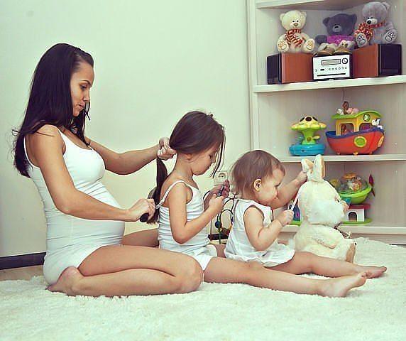 Penteados lindos em http://corujices.com/2013/04/17/penteados-confortaveis-para-cabelo-de-crianca/