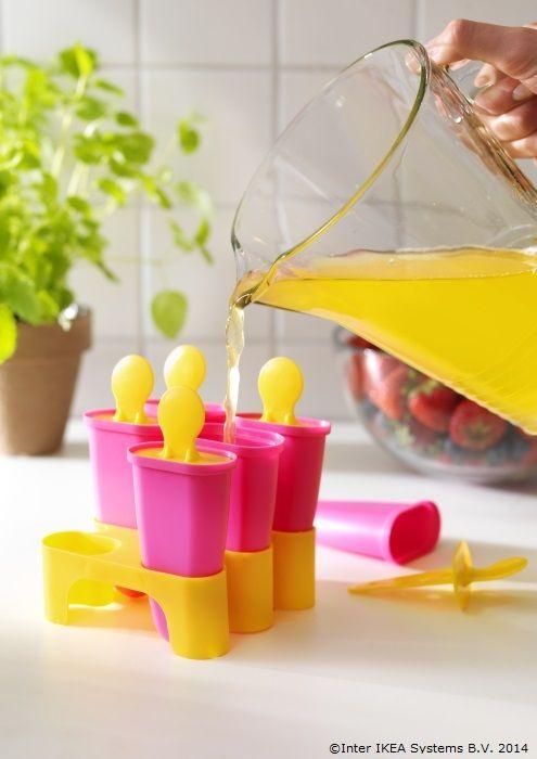 Mami știe cel mai bine cum să facă înghețată gustoasă și sănătoasă     www.IKEA.ro/forma_inghetata_CHOSIGT