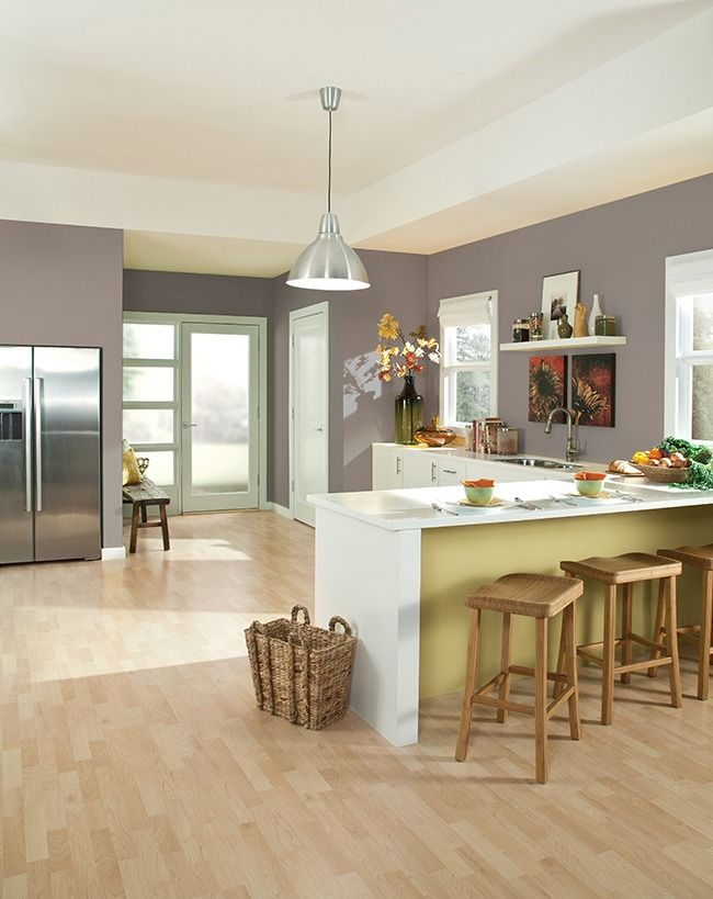 As if inspired by the functionality of the kitchen itself, our Color of the Year, Poised Taupe SW 6039, is the perfect mix of warm and cool.