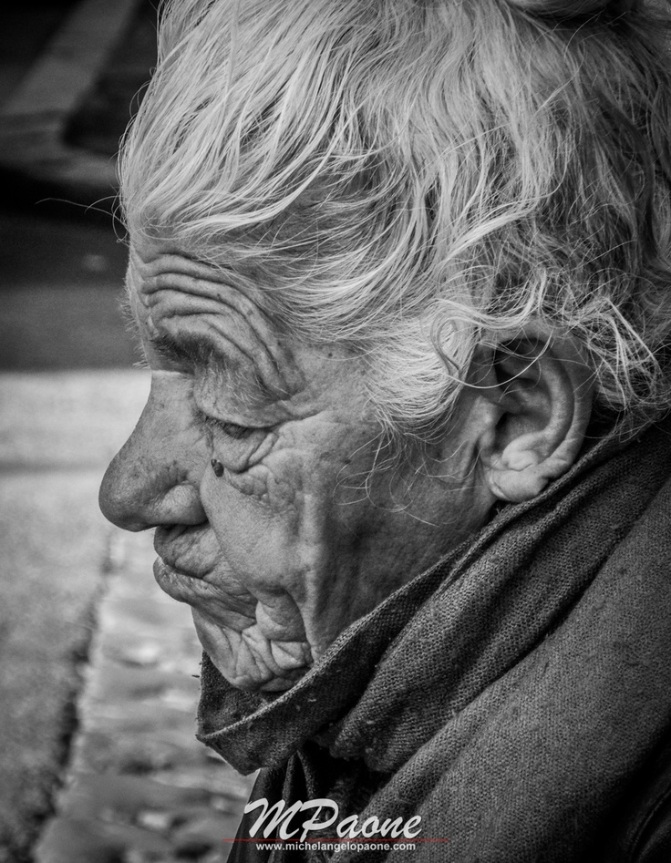 #Portrait #old #woman #homeless #Roma