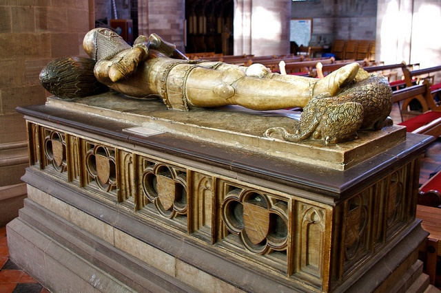 Tomb of Sir Richard Pembridge one of the Earliest Knights of the Garter    Hereford Cathedral