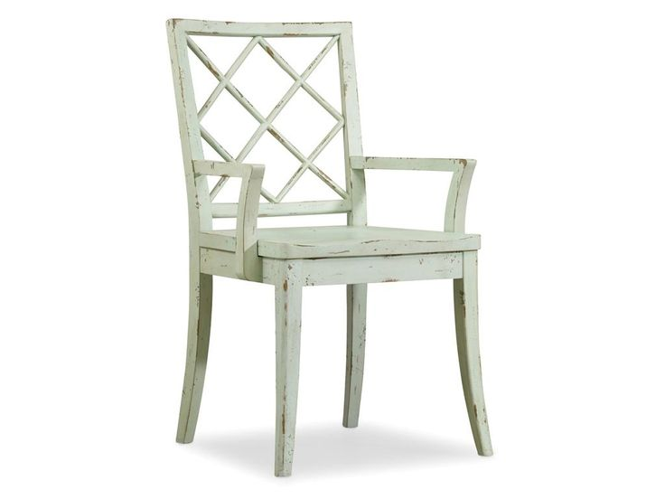 Само название коллекции Sunset Point уже говорит само за себя, мебель этой коллекции светлая и легкая, оригинальная и простая, она однозначно добавит уюта в Ваши апартаменты. Полукресло из коллекции Sunset Point. •Полукресло составит отличный комплект с о...             Метки: Кухонные стулья.              Материал: Дерево.              Бренд: Hooker Furniture.              Стили: Лофт, Прованс и кантри.              Цвета: Белый, Светло-серый.