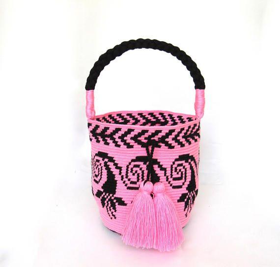 Exceptional Flower bucket bag single tread Wayuu mochila