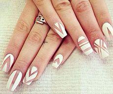 Матовые ногти фото белые с рисунком