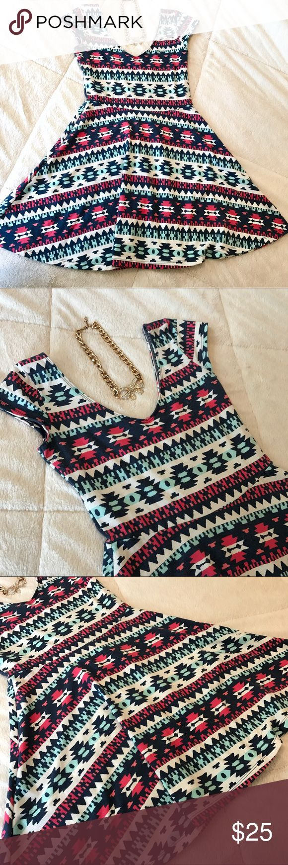 💜Beautiful Hollister Aztec Print Dress💜 EUC! Beautiful and so colorful for summer. Plunging back and neckline. Very comfortable. Hollister Dresses Mini