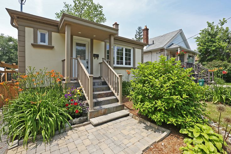 SOLD: Renovated 2 + 2 bedroom home on gorgeously landscaped 35' x 135' lot steps to beautiful Bluffers Park/Beach, walking/hiking trails and marinas. Visit www.simplifyyourmove.ca for details.