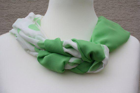 4eea4545e33f Loop Schlauchschal Schal Tuch Accessoires Mode Loopmania weiß Chiffon  gemustert grün Punkte dots