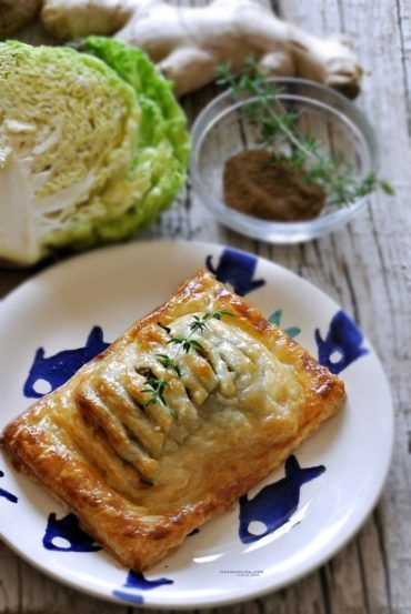Puff Pastry Salmon with cabbage, ginger and curry @vicaincucina