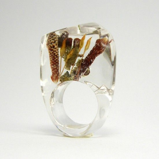 real plants inside this ring!
