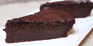 La recette légère du gâteau au chocolat, sans beurre et sans sucre !